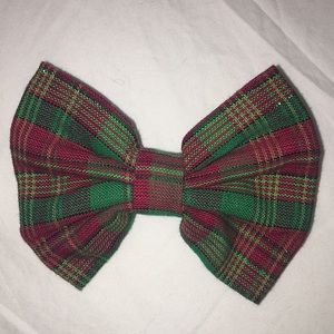 NWOT Red and Green Glitter Fabric Hair Bow